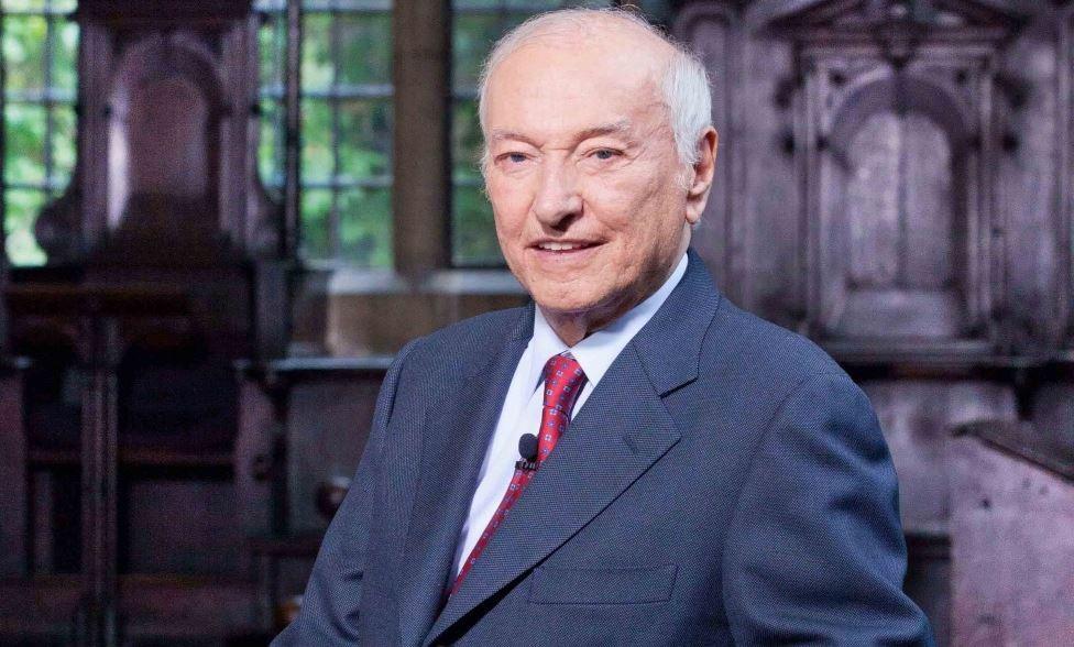 Buon Compleanno Piero Angela La Rai Festeggia I 90 Anni Del